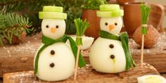 45 cool party food ideas and DIY food decorations- 45 coole Party-Essen-Ideen und DIY-Essen-Dekorationen interesting idea for Christmas menu with snowman made of boiled eggs - Christmas Dishes, Christmas Snacks, Xmas Food, Christmas Appetizers, Christmas Christmas, Christmas Starters, Food Art For Kids, Food Carving, Party Buffet