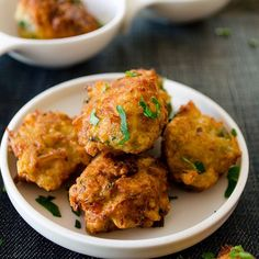 Great way to make your family love zucchini! These balls make perfect breakfast, mezze or side dish.
