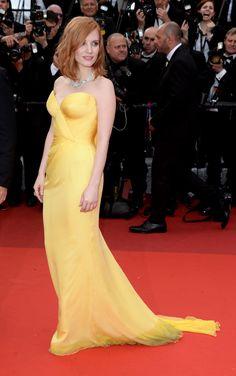 Jessica Chastain, beauté incendiaire sur les marches de Cannes...