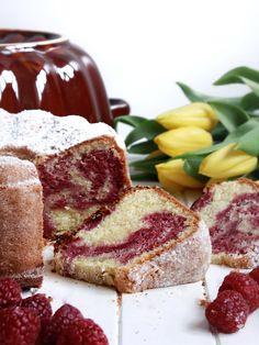 Koňaková bábovka s malinovým mramorováním – The Olive French Toast, Food And Drink, Breakfast, Cakes, Recipes, Morning Coffee, Cake Makers, Kuchen, Recipies
