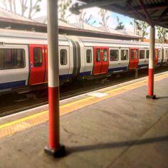 Metropolitan Line, London Transport, London Underground, Locomotive, Vikings, Trains, Transportation, Old Things, The Vikings