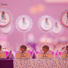 Forminhas de doces Dra Brinquedos fofa demais!!!! #drabrinquedos #festainfantilrj #decoracaoprovencal #decoracaotematica #curativodrabrinquedos#bandaid