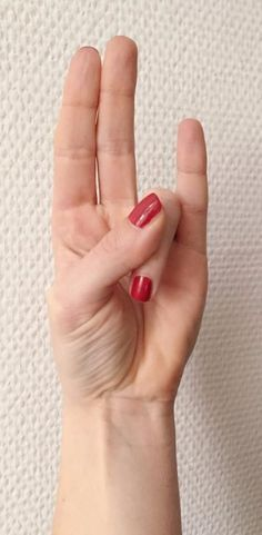 manos curativas surya mudra