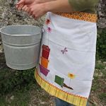 35+ Clever Dish Towel Craft Ideas : TipNut.com multiple apron ideas, pillows, bibs, etc