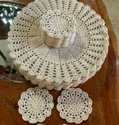 Crochet Placemat Patterns, Crochet Coaster Pattern, Crochet Mat, Crochet Lace Edging, Crochet Diagram, Crochet Stitches Patterns, Crochet Home, Crochet Crafts, Crochet Doilies