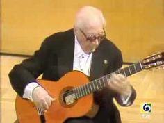 Andres Segovia in concert plays Prelude n.1 by Villa-Lobos.