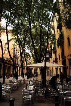 Barri Gotic, Barcelona, relaxing place to chill and people watch
