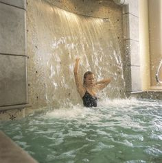 Amazing indoor waterfall - perfect for your home pool #dreamhome...x