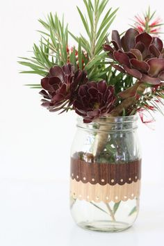 How To: Pretty Wood Grain Jar Makeover