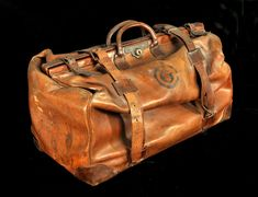 Gladstone bag that belonged to Arts & Crafts garden designer Gertrude Jekyll