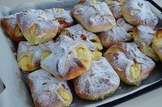 Poale-n brau - placinte moldovenesti - branzoaice - Rețete Papa Bun Jacque Pepin, Good Food, Yummy Food, Food Cakes, Food Plating, Pretzel Bites, Cake Recipes, French Toast, Recipies