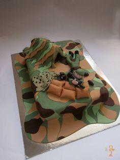 Fondant cake tutorials #1: Camouflage fondant cake tutorial - CakesDecor
