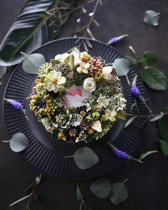"""좋아요 374개, 댓글 11개 - Instagram의 청담 수케이크 (atelier soo)(@soocake_ully)님: """"ㅡ Green. S o o  party cake design. Soocake.  ㅡ  #flower #cake #flowercake #partycake #birthday…"""""""