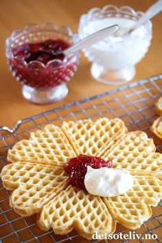 Hverdagsvafler med rømme | Det søte liv - Everyday waffles with sour cream