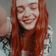 ♡┆❝imagenes❞ ━ with psd. - ⠀⠀⠀➳✿ೃ༄ sadie sink. Stranger Things Max, Stranger Things Have Happened, Stranger Things Netflix, Joker Dc, Sadie Sink, Just Girl Things, Millie Bobby Brown, Beautiful Redhead, Imagines
