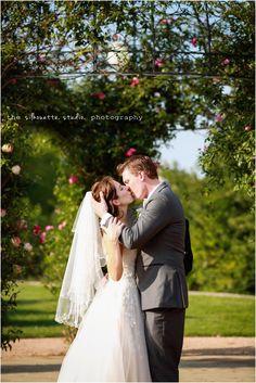 The Silhouette Studio: Messina Hof, Bryan Wedding Photography | Lindsey + Justin