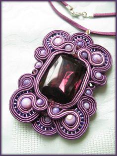 Violet Crystal by GosiaBizu