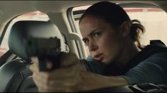 Remember the Gridlock scene from Sicario? See how Denis Villeneuve took the tension to another level and if you haven't seen Sicario yet, what are you waiting for???