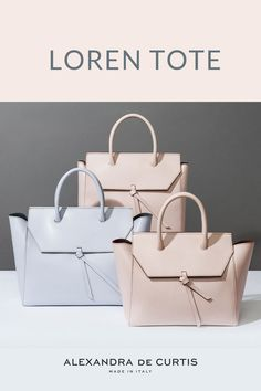 Are you looking for an Italian leather handbag? The Loren tote is handmade in Italy with lightweight, double-sided leather. Click here to check out our offers! Alexandra de Curtis #uniqueleatherhandbag #leatherhandbag #italianleatherhandbag #handmadehandbag Italian Leather Handbags, Designer Leather Handbags, How To Make Handbags, Purses And Handbags, Best Work Bag, Italian Street, Work Tote, Handmade Handbags, Classic Leather
