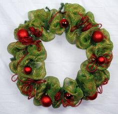 How to make a mesh wreath for Christmas deco mesh wreath tutorial with pictures