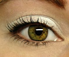 11 Makeup tricks for brown eyes White Eye Makeup, White Eyeshadow, Mineral Eyeshadow, Pretty Eyes, Beautiful Eyes, Amazing Eyes, Winter Fairy, Eyebrow Makeup, Makeup Eyeshadow