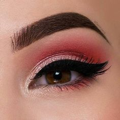 Beautiful eye look created by @denitslava using our Newtrals vs Neutrals palette!