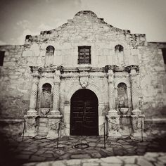 William Travis and 184 Texas soldiers are wiped out as the Alamo in San Antonio, Texas, falls into the hands of the Mexican Army. I love San Antonio. Texas History, World History, Chicano, San Antonio, Mexican Army, Only In Texas, Into The West, Texas Pride, Le Far West
