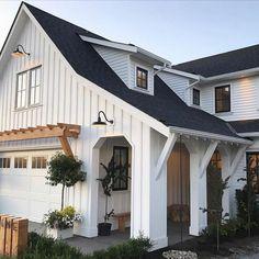 90 Incredible Modern Farmhouse Exterior Design Ideas 60