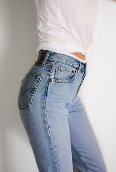 Find images and videos about fashion, style and clothes on We Heart It - the app to get lost in what you love. Summer Outfits Men, Men Summer, Style Summer, Denim Fashion, Fashion Outfits, 90s Fashion, Greece Outfit, Cute Jeans, Sexy Jeans