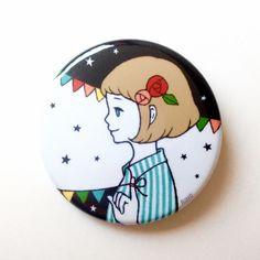 女の子とガーランドの缶バッチ by RINO バッグ