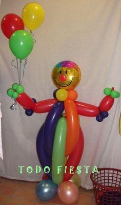 Payaso de globos en fiesta de cumpleaños