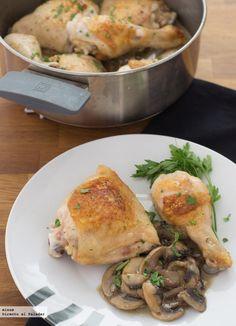 Receta de pollo asado con salsa de champiñones. Con fotos del paso a paso, los ingredientes y la presentación. Trucos y consejos de...