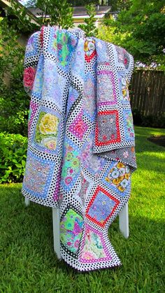 Dotty Frames quilt, design, by Kaffe Fassett measures 80 x All Kaffe fabrics, by Tricia Young at Piece Love Quilt Bright Quilts, Colorful Quilts, Polka Dot Quilts, Flower Quilts, Contemporary Quilts, Easy Quilts, Scrappy Quilts, Queen Quilt, Quilting Designs