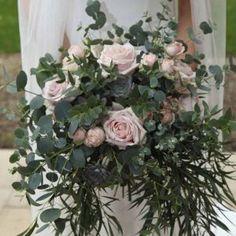 , www.passionforflowers.net #wedding #weddingflowers #weddingflorist #weddinguk #weddingideas #weddingdecor