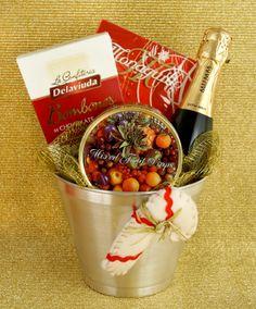 Para estas Fiestas te proponemos una forma original de acercar a los amigos que hace tiempo que no ves. Viajá en el regalo y entregá tus mejores deseos para el nuevo año con los sabores del encuentro.