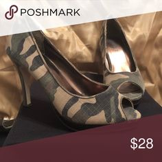 06f92904ae Army Fatigue heels Perfect condition size 7 1/2 army fatigue kills Shoes  Heels.