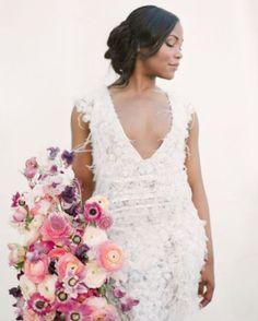 Feathers & Flowers: @munaluchibride . . . . . #weddingstyle #alternativeweddings #coolweddings #modernweddings #weddingphotography #wanderlust #instatravel #honeymoonplanning #honeymoonplans #gettingmarried #heproposed #sheproposed #isaidyes #engaged #wereengaged #imgettingmarried #bridetobe #2017bride #honeymoonfund #giftlist #giftregistry #weddingideas #weddingplanning #patchworkregistry