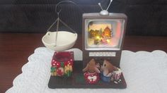 RETIRED RARE YANKEE CANDLE CHRISTMAS MOUSE WATCHING LIGHT UP TV TART WARMER