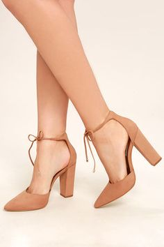 You& get all your wishes granted by the Steve Madden Pamperd Tan Nubuck Leather Block Heel Pumps! Luxurious nubuck leather shapes a pointed toe and sturdy heel cup with gold-capped laces that tie at front. Tan Heels, Cute Heels, Lace Up Heels, Ankle Strap Heels, Ankle Straps, Pumps Heels, Stiletto Heels, Peach Maxi Dresses, Prom Heels