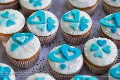 Bruids cupcakes in thema kleur turquoise/wit bob-photos.com