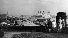 """Die """"Cap Arcona"""", hier 1938 im Hamburger Hafen, war eines der elegantesten Passagierschiffe der Vorkriegszeit."""