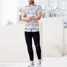 shirt jeans and by [… Modern Mens Fashion, Best Mens Fashion, Minimal Fashion, Boy Fashion, Fashion Outfits, Casual Fall Outfits, Men Casual, Outfits Hombre, Fashion Catalogue
