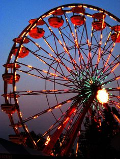 Ferris Wheel at night Aesthetic Pastel Wallpaper, Colorful Wallpaper, Nature Wallpaper, Blur Background Photography, Blurred Background, Carnival Lights, Carnival Photography, Big Ride, Big Ben London