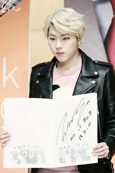 Shared by Call me 타에. Find images and videos about boy, asian and rapper on We Heart It - the app to get lost in what you love. Zico Block B, Future Husband, We Heart It, Rapper, Tumblr, Dean, King, Artist, Cards