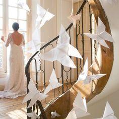 Papillons en origami réalisés en tarlatane et papier pour un mariage