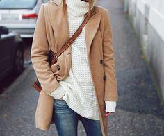 Opção quentinha para o inverno: malha oversize + casaco caramelo