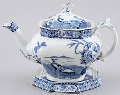 Britannia Pottery - Moyen - Teapot with Stand c1930s