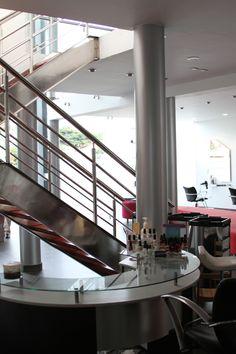 Escaleras - Alberto Salón & Spa
