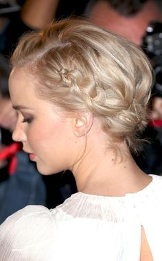 Jennifer Lawrence Wears a $4K Necklace in Her Hair, Inspires Our Next Holiday Party Hairstyle | E! Online Mobile