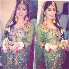 Bridal Mehndi Dresses, Bridal Wedding Dresses, Wedding Couples, Pakistani Bridal, Indian Bridal, Dulhan Dress, Desi Wedding, Wedding Ring, Haldi Ceremony